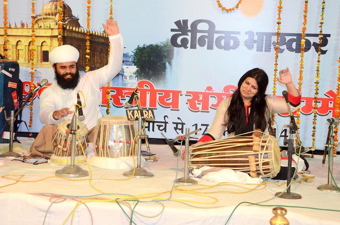 Performing duet Pakhawaj concert with Shri chitrangana agle reshwal at Durgiana mandir Amritsar Punjab in year 2014.